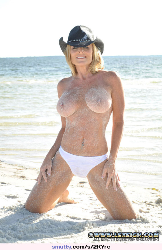 Superstar Nude Cougars Forums Png