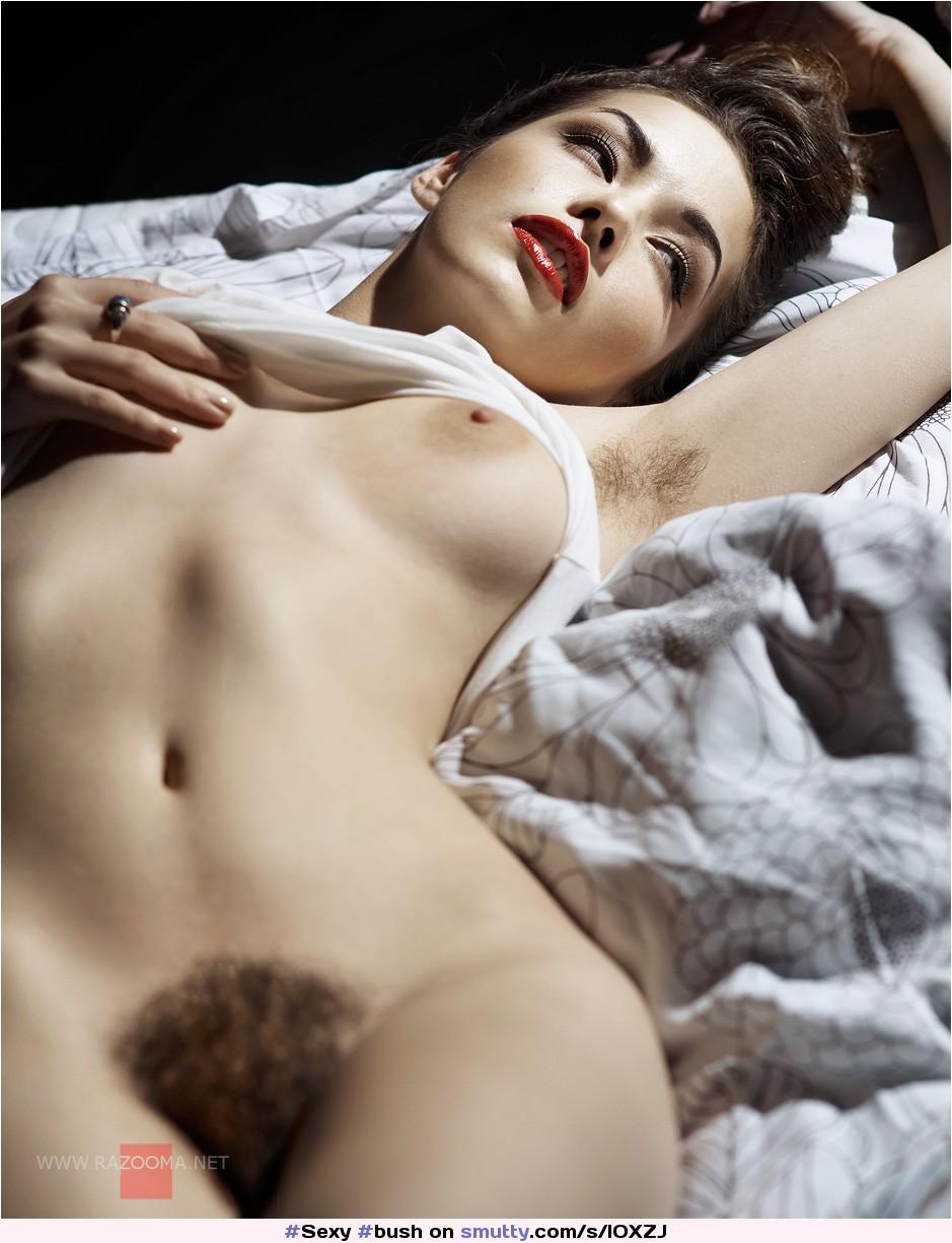 Фото красивых голых девушек с волосатыми кисками 6 фотография
