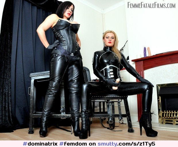 o-femdome-glove-boot