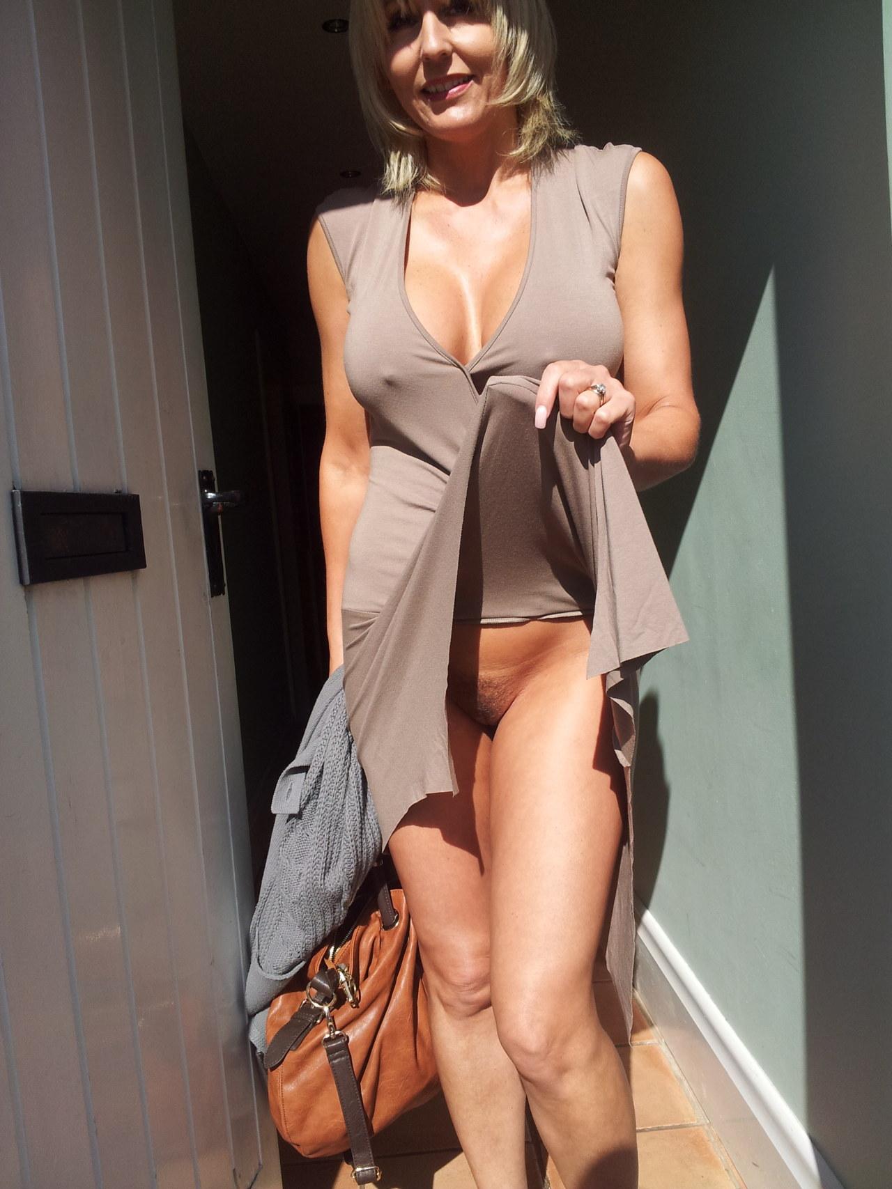 Что под юбками у взрослых дам 8 фотография